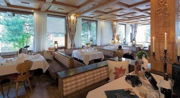 restaurant-hotel-widderstein-schra-paracken-arlberg-wintersport-interlodge.jpg