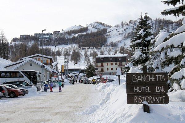 sestriere-borgata-via-lattea-italie-wintersport-ski-snowboard-raquettes-schneeschuhlaufen-langlaufen-wandelen-interlodge.jpg