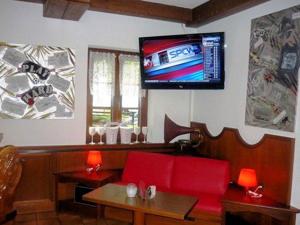 sportsbar-hotel-penion-siegelerhof-mayrhofen-zillertal-wintersport-interlodge.jpg