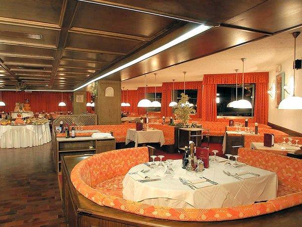 restaurant-hotel-portavescovo-arabba-dolomiti-superski-wintersport-italie-ski-snowboard-raquettes-schneeschuhlaufen-langlaufen-wandelen-interlodge.jpg
