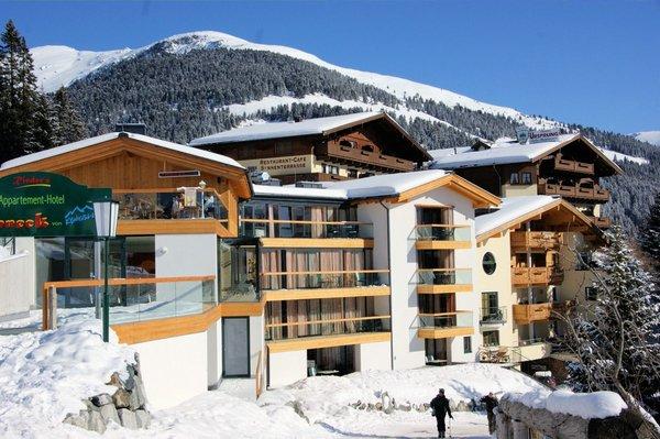 buitenkant-appartement-sonneck-konigsleiten-zillertal-arena-wintersport-oostenrijk-ski-snowboard-raquttes-schneeschuhlaufen-langlaufen-wandelen-interlodge.jpg