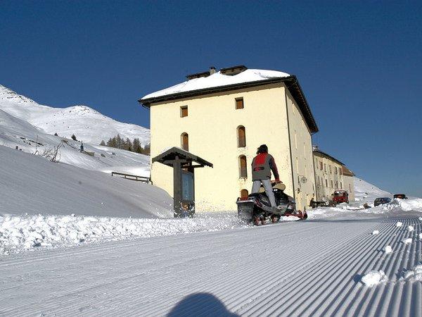 buitenkant-hotel-mirandola-passo-del-tonale-trentino-skirama-dolomiti-wintersport-italie-ski-snowboard-langlauf-interlodge.jpg