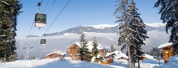 gondel-chalets-de-la-tania-les-trois-vallees-wintersport-frankrijk-ski-snowboard-raquettes-langlaufen-wandelen-interlodge.jpg