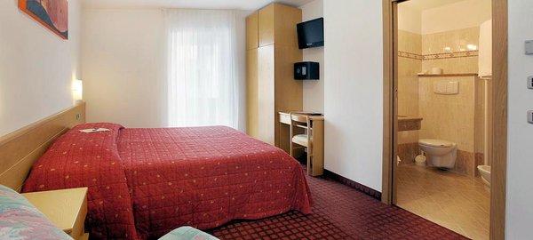 hotel-nele-kamer-ziano-wintersport-italie-ski-snowboard-raquette-schneeschuhlaufen-langlaufen-wandelen-interlodge.jpg