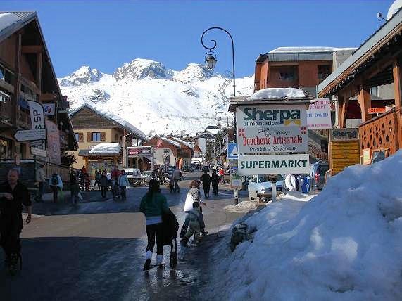 st-sorlin-d-arves-les-sybelles-wintersport-frankrijk-ski-snowboard-raquettes-schneeschuhlaufen-langlaufen-wandelen-interlodge.jpg