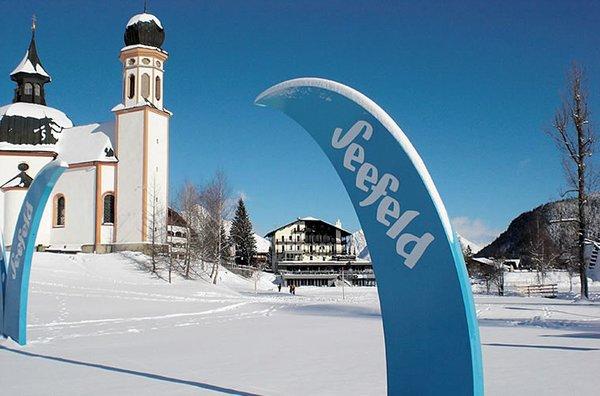 seefeld-kerk-olympia-region-wintersport-oostenrijk-interlodge.jpg