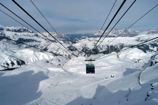 skilift-arabba-dolomiti-superski-wintersport-italie-ski-snowboard-raquettes-schneeschuhlaufen-langlaufen-wandelen-interlodge.jpg