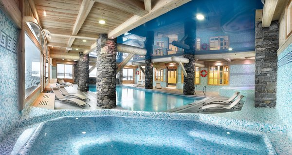residence-les-fermes-de-sainte-foy-zwembad-wintersport-frankrijk-ski-snowboard-raquettes-langlaufen-wandelen-interlodge.jpg