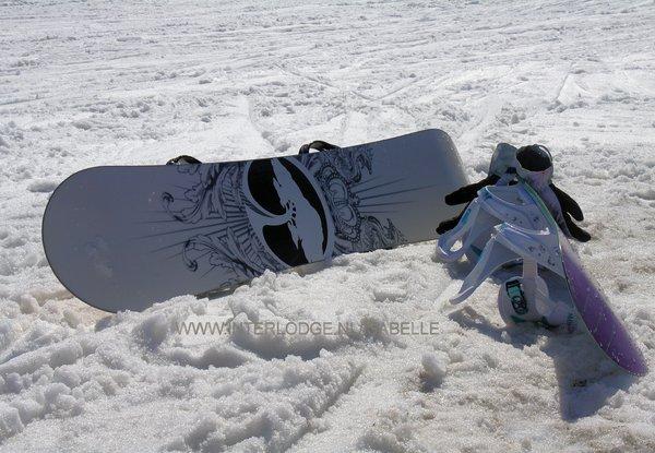 snowboards-wintersport-frankrijk-wintersport-vakantie-ski-snowboard-raquette-schneeschhlaufen-langlaufen-wandelen-interlodge.jpg