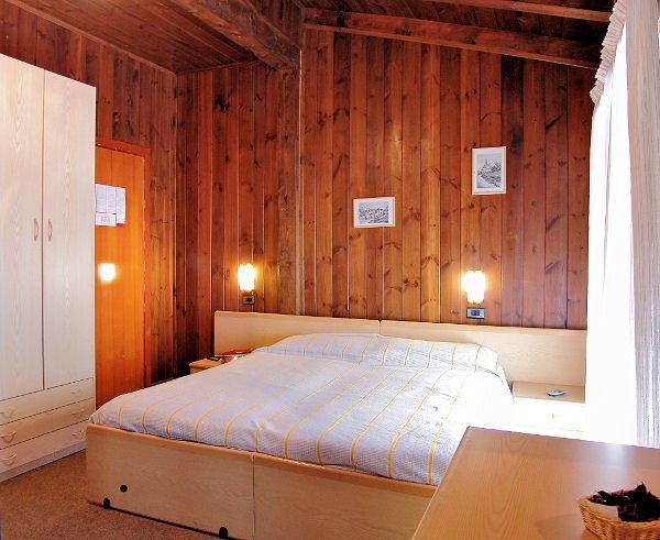 kamer-hotel-vecchia-america-folgarida-skirama-dolomiti-wintersport-italie-ski-snowboard-raquettes-schneeschuhlaufen-langlaufen-wandelen-interlodge.jpg