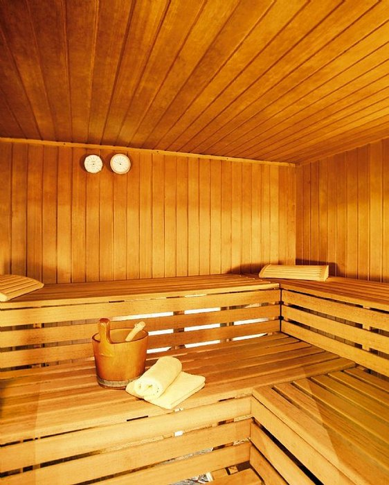 sauna-hotel-tirolerhof-st-anton-wintersport-interlodge.jpg