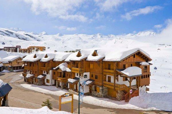 buitenkant-residence-montagnettes-lombarde-val-thorens-les-trois-vallees-wintersport-frankrijk-interlodge.jpg