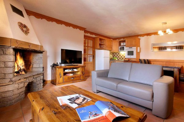 woonkamer-residence-plein-sud-val-thorens-frankrijk-wintersport-ski-snowboard-langlauf-interlodge.jpg