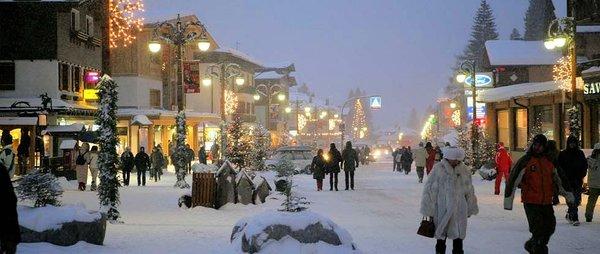 madonna-di-campiglio-shoppen-skirama-dolomiti-wintersport-italie-interlodge