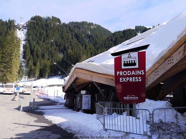 morzine-les-prodains-express-les-portes-du-soleil-wintersport-frankrijk-interlodge