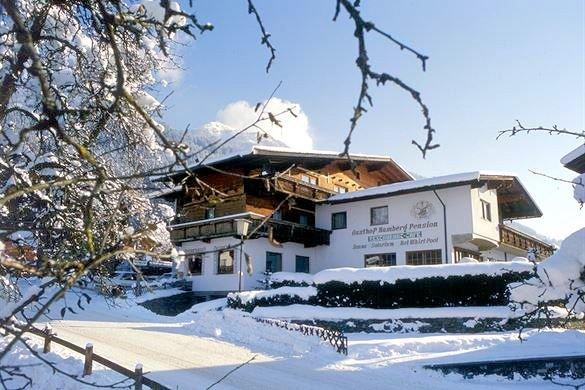 buitenkant-gasthof-hamberg-hart-im-zillertal-wintersport-interlodge.jpg