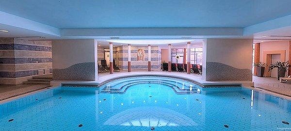 sporthotel-wagrain-zwembad-ski-amade-wintersport-oastenrijk-interlodge.jpg