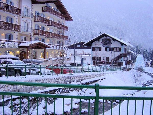 canazei-centrum-dolomiti-superski-italie-wintersport-ski-snowboard-raquettes-schneeschuhlaufen-langlaufen-wandelen-interlodge.jpg