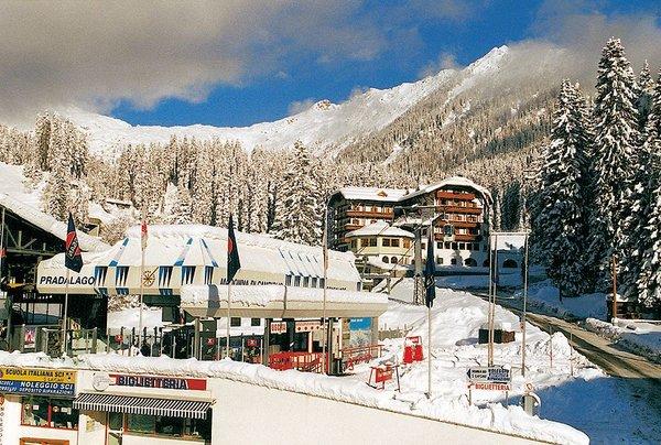 cabine-naast-hotel-bertelli-madonna-skirama-dolomiti-wintersport-italie-ski-snowboard-raquettes-langlaufen-wandelen-interlodge.jpg