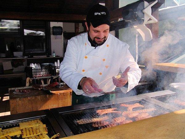 grill-hotel-alaska-folgarida-skirama-dolomiti-wintersport-italie-interlodge