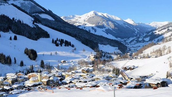 saalbach-hinterglemm-skicircus-wintersport-oostenrijk