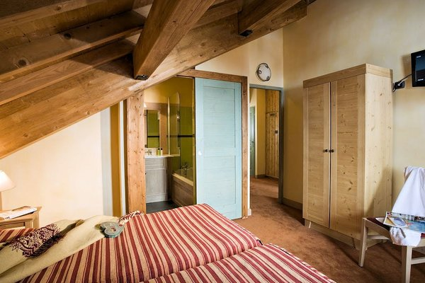 residence-montana-airelles-slaapkamer-tignes-le-lac-espace-killy-frankrijk-wintersport-ski-snowboard-raquettes-schneeschuhlaufen-langlaufen-wandelen-interlodge.jpg