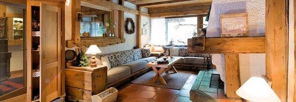 hotel-widderstein-open-haard-schra-paracken-arlberg-wintersport-interlodge.jpg