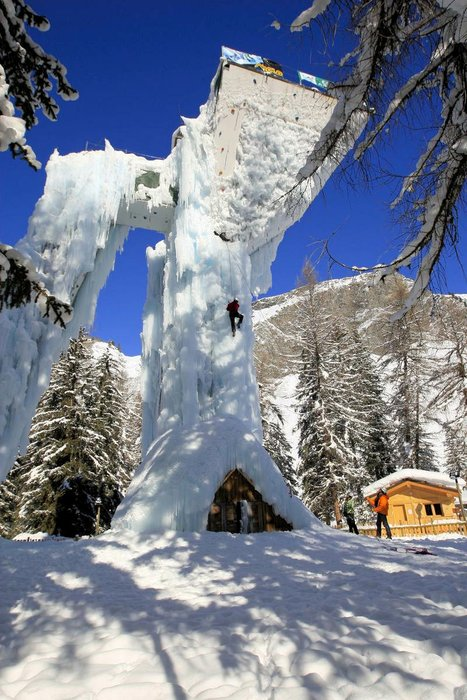 plagne-centre-iceclimbing-paradiski-frankrijk-wintersport-interlodge.jpg