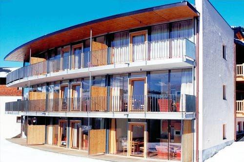 appartments-panorama-voorkant-konigsleiten-zillertal-arena-wintersport-oostenrijk-ski-snowboard-raquettes-schneeschuhlaufen-langlaufen-wandelen-interlodge.jpg