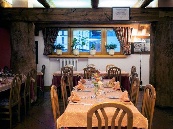 hotel-lyskamm-restaurant-breuil-cervinia-matterhorn-wintersport-italie-interlodge.jpg