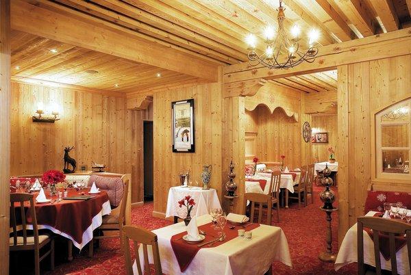 hotel-l-ours-blanc-restaurant-les-menuires-les-trois-vallees-interlodge.jpg