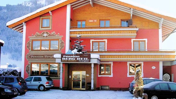 buitenkant-pension-bergheil-kaprun-europa-sportregion-wintersport-oostenrijk-interlodge.jpg