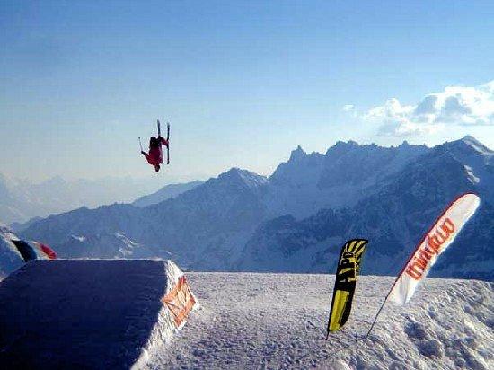 matterhorn-ski-paradise-breuil-cervinia-interlodge.jpg