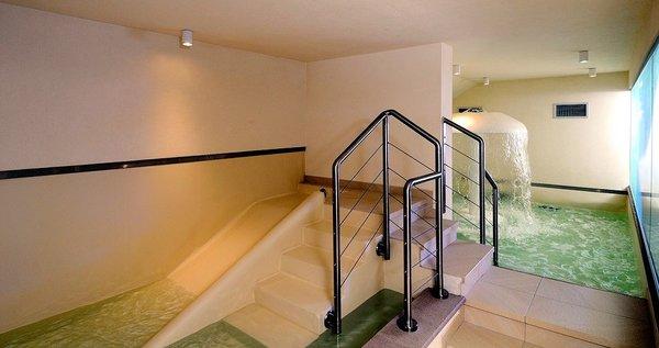 wellness-sporting-hotel-ravelli-marilleva-900-mezzana-skirama-dolomiti-wintersport-italie-ski-snowboard-raquettes-langlaufen-interlodge.jpg