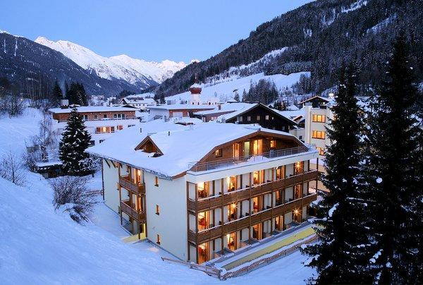 buitenkant-bantan-hotel-st-anton-am-arlberg-oostenrijk-interlodge.jpg