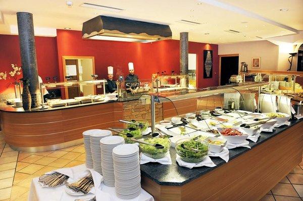 sporthotel-wagrain-ontbijtbuffet-ski-amade-wintersport-oastenrijk-interlodge.jpg