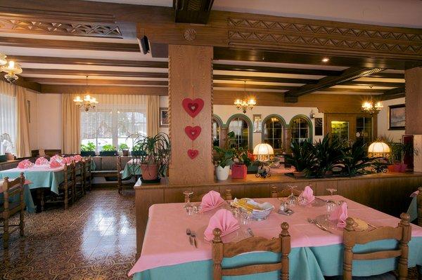 restaurant-hotel-diana-canazei-dolomiti-italie-wintersport-ski-snowboard-raquettes-schneeschuhlaufen-langlaufen-wandelen-interlodge.jpg