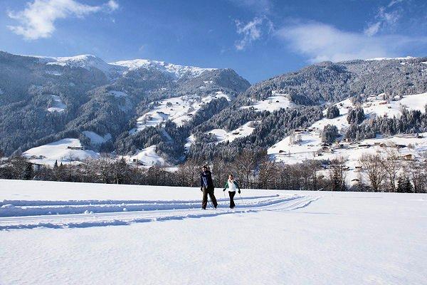 langlaufen-zell-am-ziller-zillertal-arena-wintersport-oostenrijk-ski-snowboard-raquette-schneeschuhlaufen-langlaufen-wandelen-interlodge.jpg
