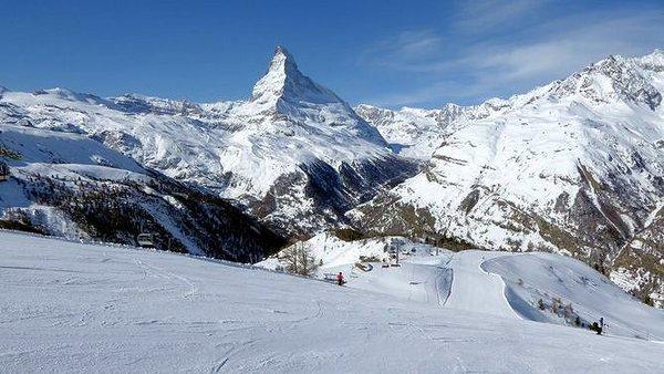 matterhorn-valtournenche-matterhorn-ski-paradise-wintersport-italie-interlodge