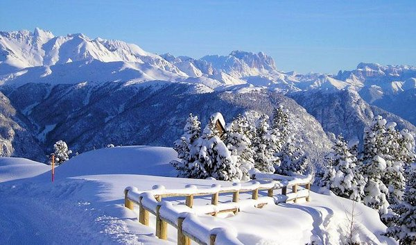 val-di-fiemme-dolomiti-superski-wintersport-italie-interlodge