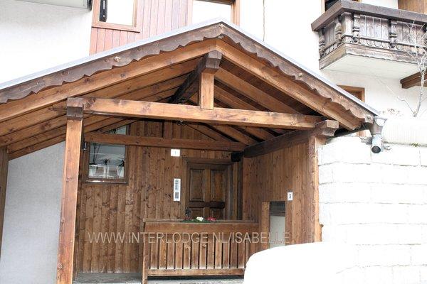 buitenkant-residence-marisol-mezzana-skirama-dolomitiitalie-wintersport-ski-snowboard-raquettes-schneeschuhlaufen-langlaufen-wandelen-interlodge.jpg