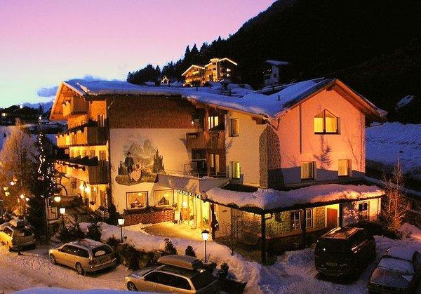landhotel-pettneuerhof-pettneu-am-arlberg-wintersport-oostenrijk-interlodge.jpg