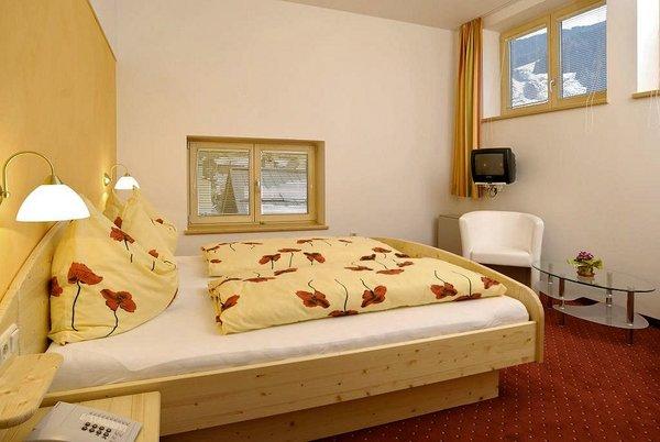 slaapkamer-gasthof-platzwirt-rauris-wintersport-oostenrijk-interlodge