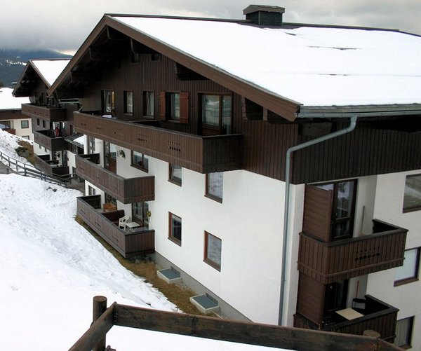 konigsleiten-am-anger-zillertal-arena-oostenrijk-wintersport-vakantie-ski-snowboard-raquette-schneeschuhlaufen-langlaufen-wandelen-interlodge.jpg