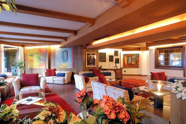 lounge-hotel-portavescovo-arabba-dolomiti-superski-wintersport-italie-ski-snowboard-raquettes-schneeschuhlaufen-langlaufen-wandelen-interlodge.jpg