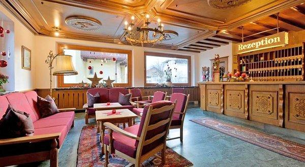 receptie-hotel-sonne-fa-frac14gen-wintersport-interlodge.jpg