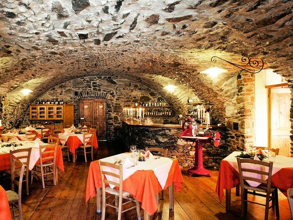 restaurant-hotel-mirandola-passo-tonale-wintersport-italie-ski-snowboard-raquettes-schneeschuhlaufe-langlaufen-wandelen-interlodge.jpg