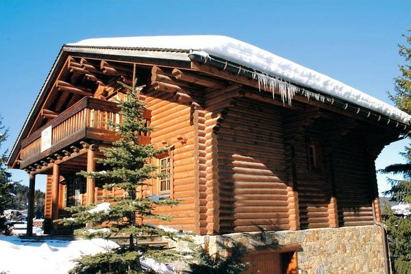 buitenkant-chalets-de-la-tania-les-trois-vallees-wintersport-frankrijk-ski-snowboard-raquettes-langlaufen-wandelen-interlodge.jpg