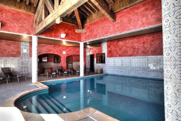 zwembad-hotel-les-suites-du-montana-tignes-wintersport-frankrijk-interlodge