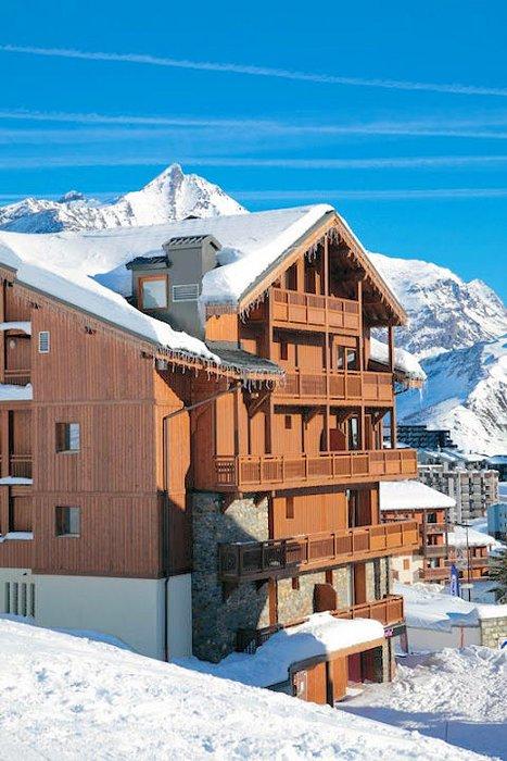 buitenzijde-residence-montana-airelles-tignes-le-lac-espace-killy-frankrijk-wintersport-ski-snowboard-raquettes-schneeschuhlaufen-langlaufen-wandelen-interlodge.jpg